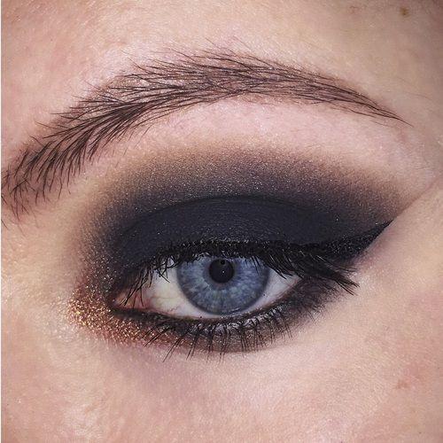 top 10 smoky eyes yeux bleus blog smoky eyes. Black Bedroom Furniture Sets. Home Design Ideas